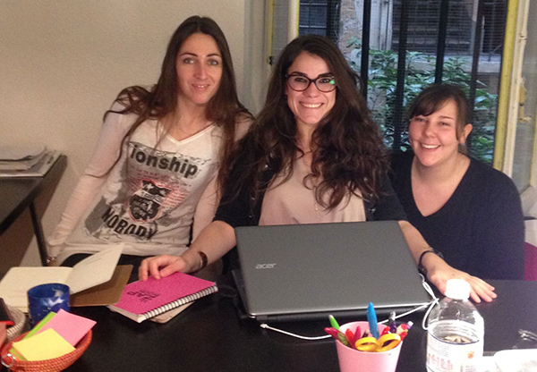 Mau00EFwenn, Charlotte et Soazic dans leurs nouveaux locaux
