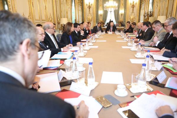 Réunion du Conseil de défense à l'Élysée