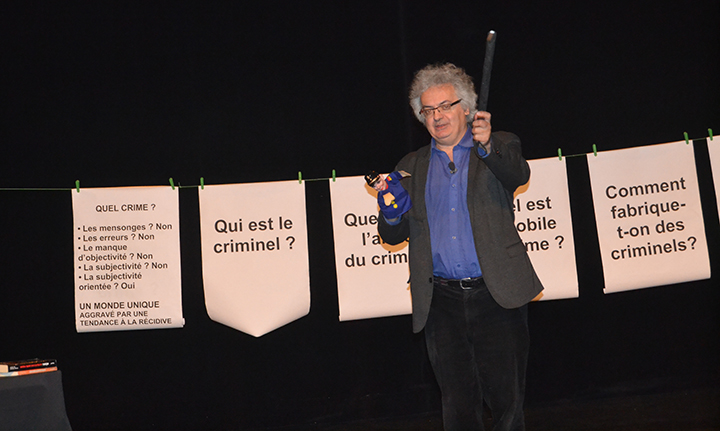 Philippe Merlant gesticule à Lyon 2