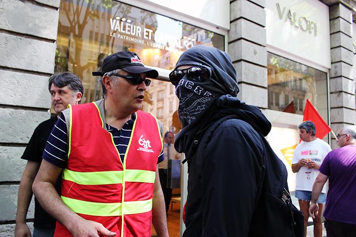 La CGT demande aux manifestants de retourner dans le cortège
