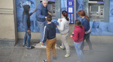 """Une image largement relayée par la presse pour dénoncer les vols commis par """"les Roms"""". Photo caméra de surveillance"""