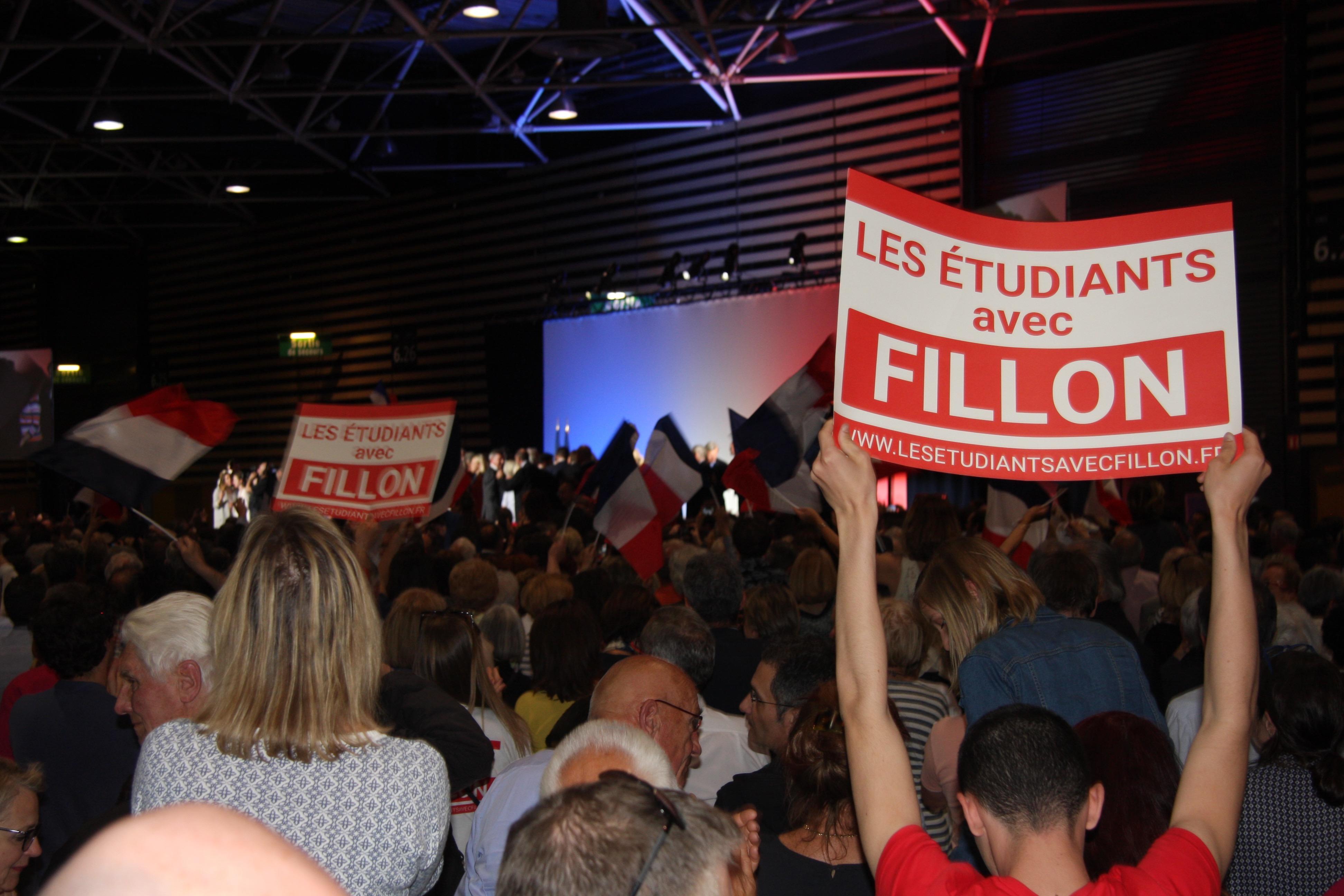 « Travail Famille et Autorité », Fillon, le meeting des familles et des inquiets