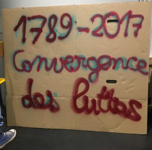 Pancarte dans le Hall. Crédits Marta Sobkow
