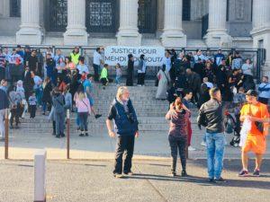 La manifestation devant le tribunal. Crédits Marta Sobkow