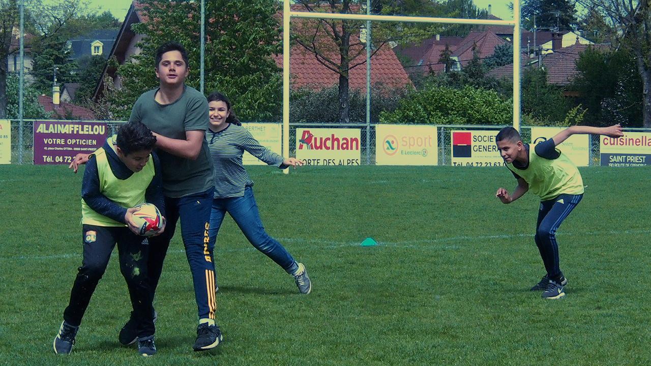 Centre social Louis Braille : les jeunes s'essaient au rugby