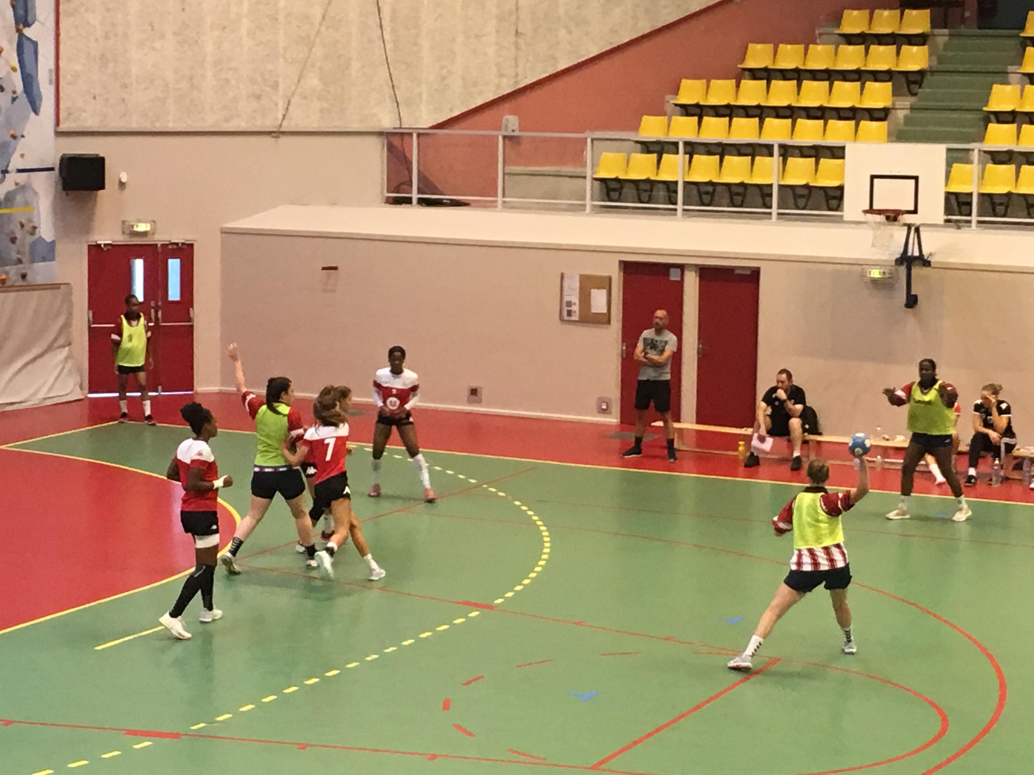 La jeune équipe de l'ASUL Vaulx-En-Velin s'incline face à une ES Besançon plus expérimentée