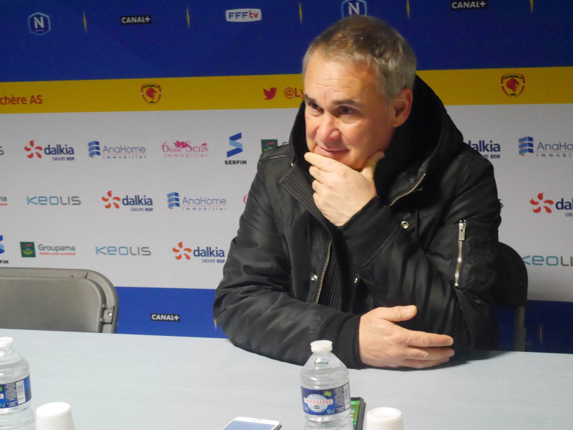 Laurent Roussey attend plusieurs renforts pour se battre pour l'accession en L2 . Crédit photo : Hugo Dervissoglou / Lyon Bondy Blog