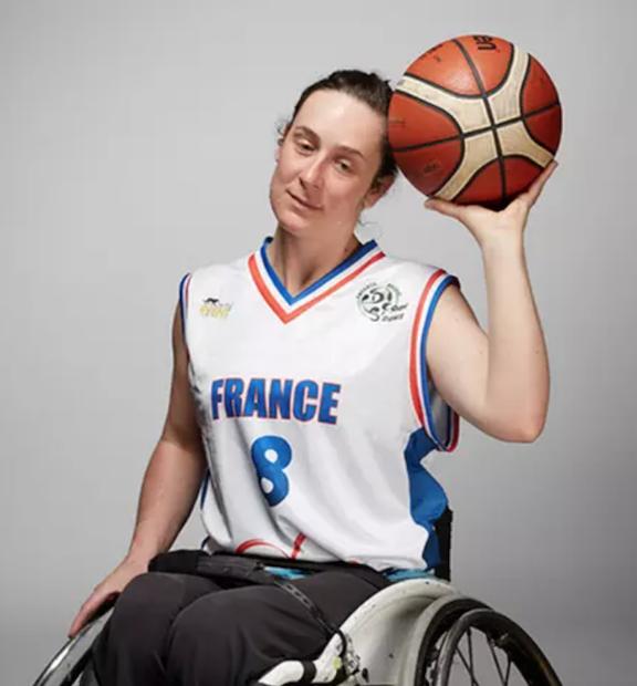 Basket-Fauteuil : Juliette Watine, histoire d'une ancienne bleue au service des gones