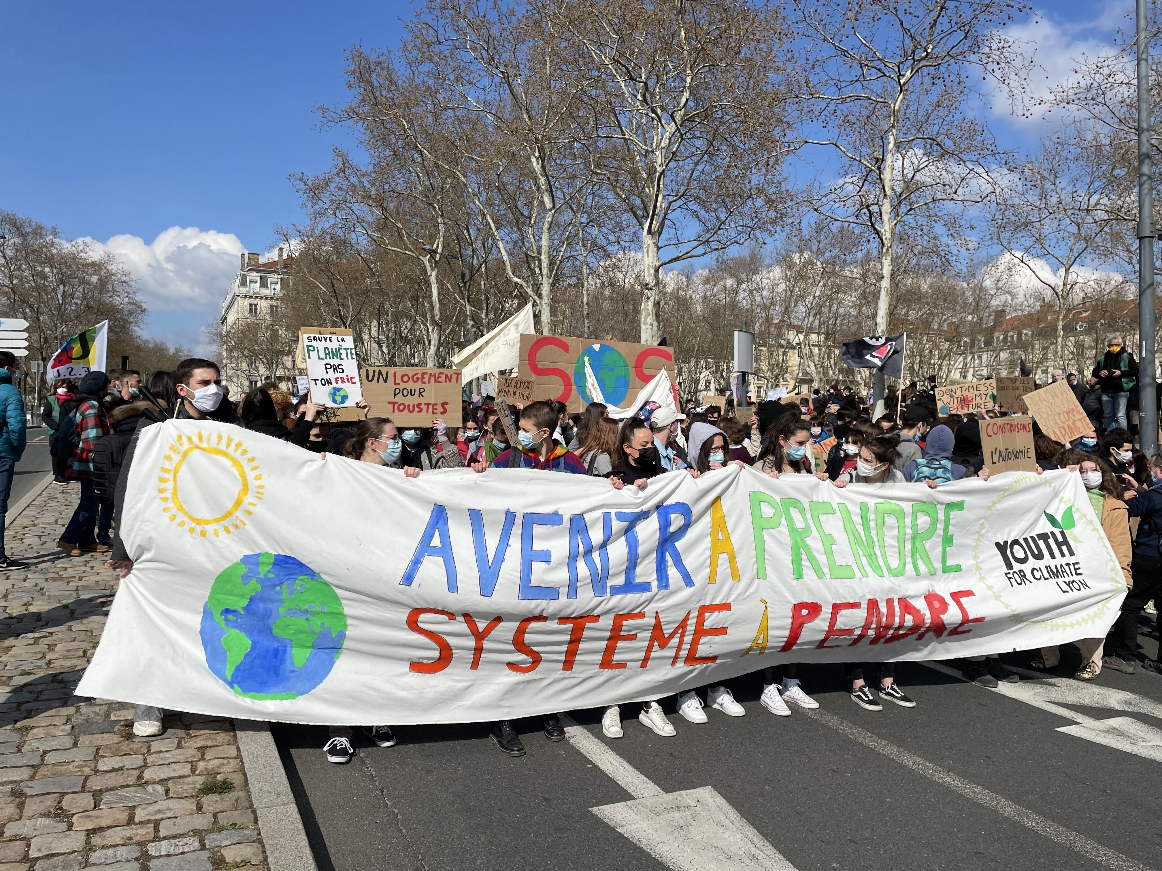 Manifestation : les étudiants lyonnais dans la rue pour le climat et la précarité
