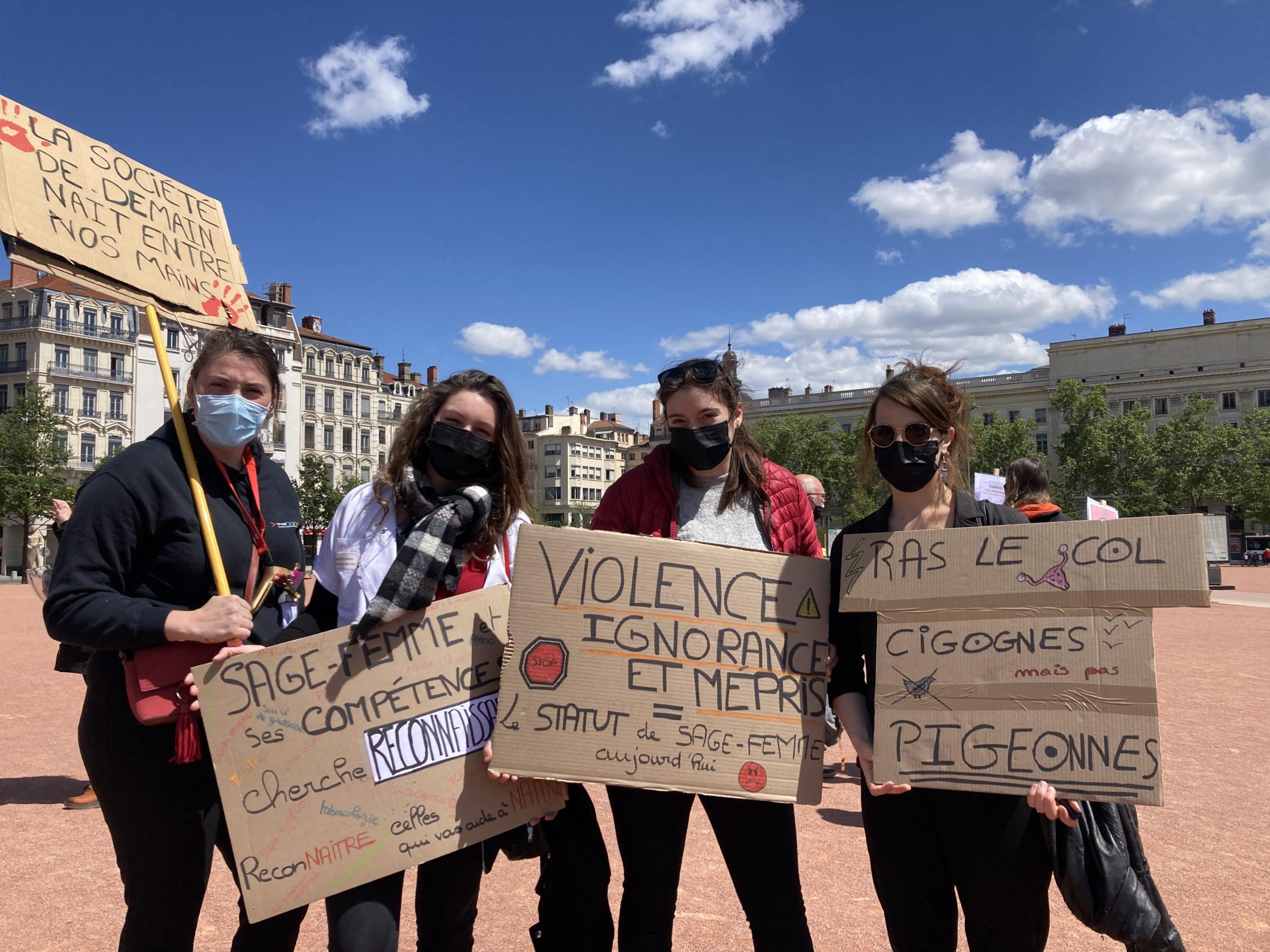 Sages-femmes en grève : « Ras le col !»