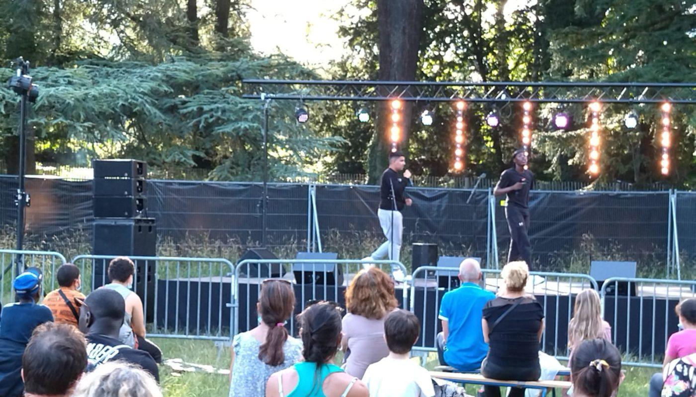 Photo des jeunes pendant le concert au Parc Tête d'Or. Crédits : Lyon Bondy Blog
