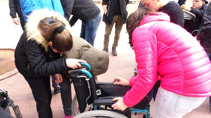Journee sur le handicap à la MJC Monplaisir