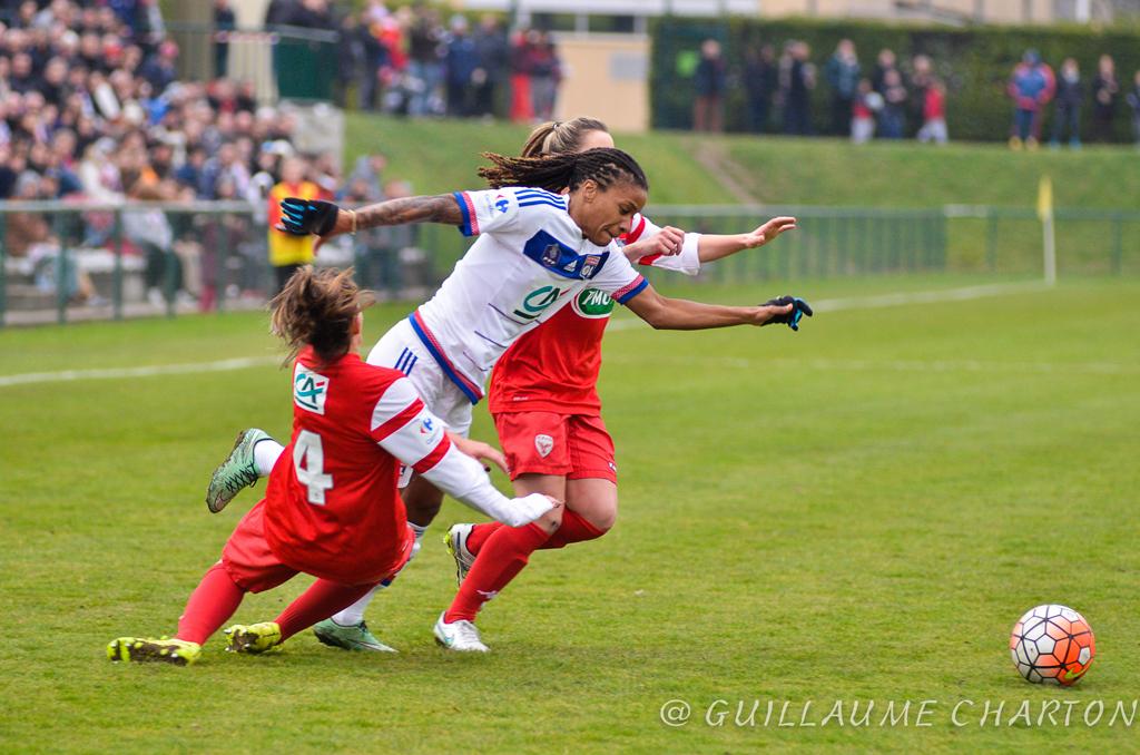 Le Foot au feminin s'impose à Lyon