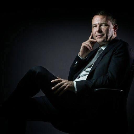 Jean-Lin Lacapelle : «  Emmanuel Macron a un projet de division et de mondialisation ».