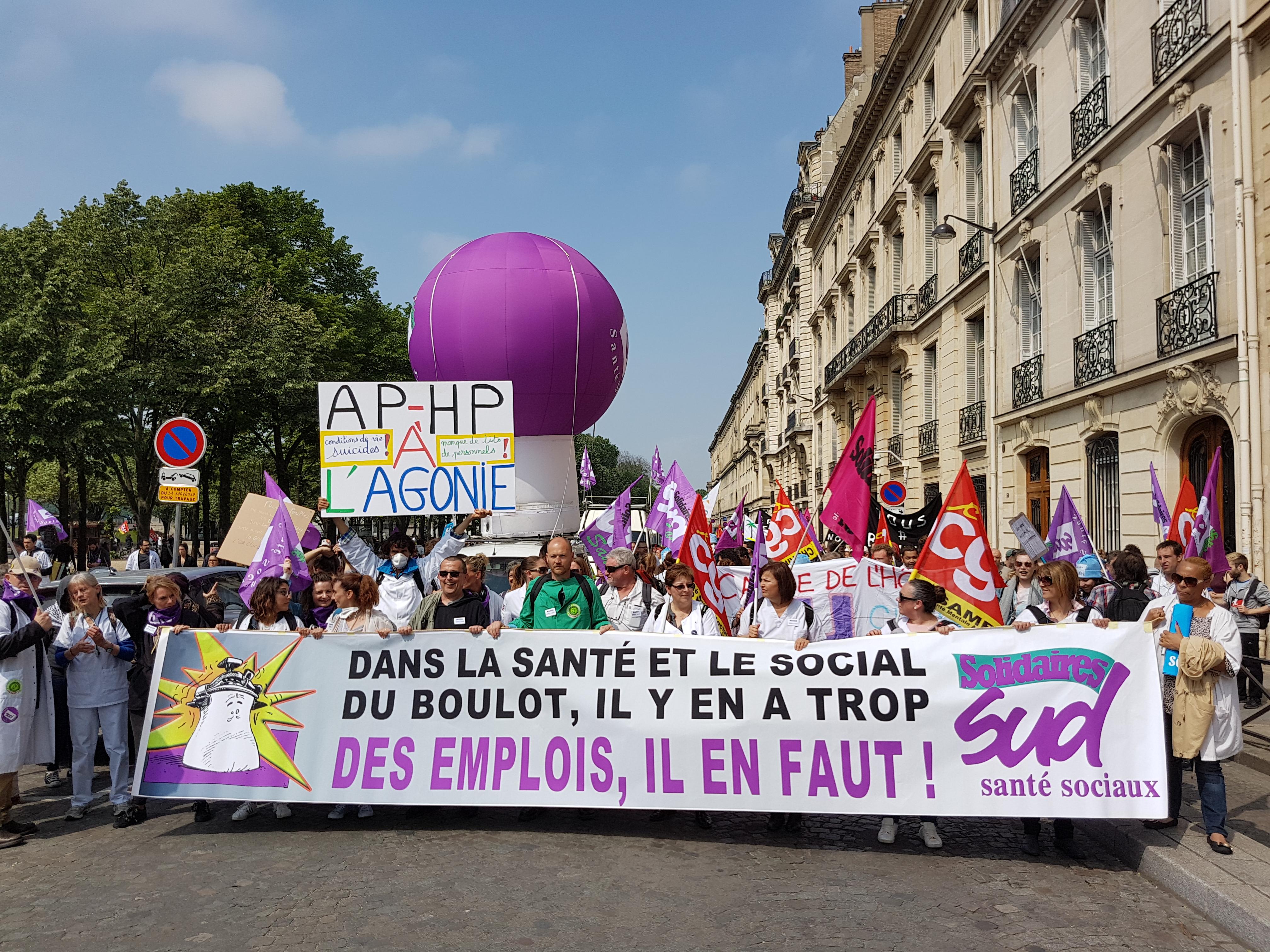 Personnels hospitaliers en détresse, une « marée blanche » se déverse à Paris