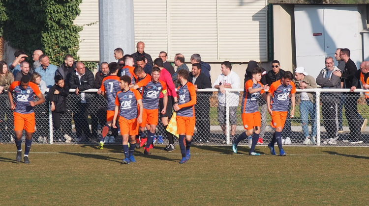 Montpellier célèbre le deuxième but et la qualification. Hugo Dervissoglou / LBB