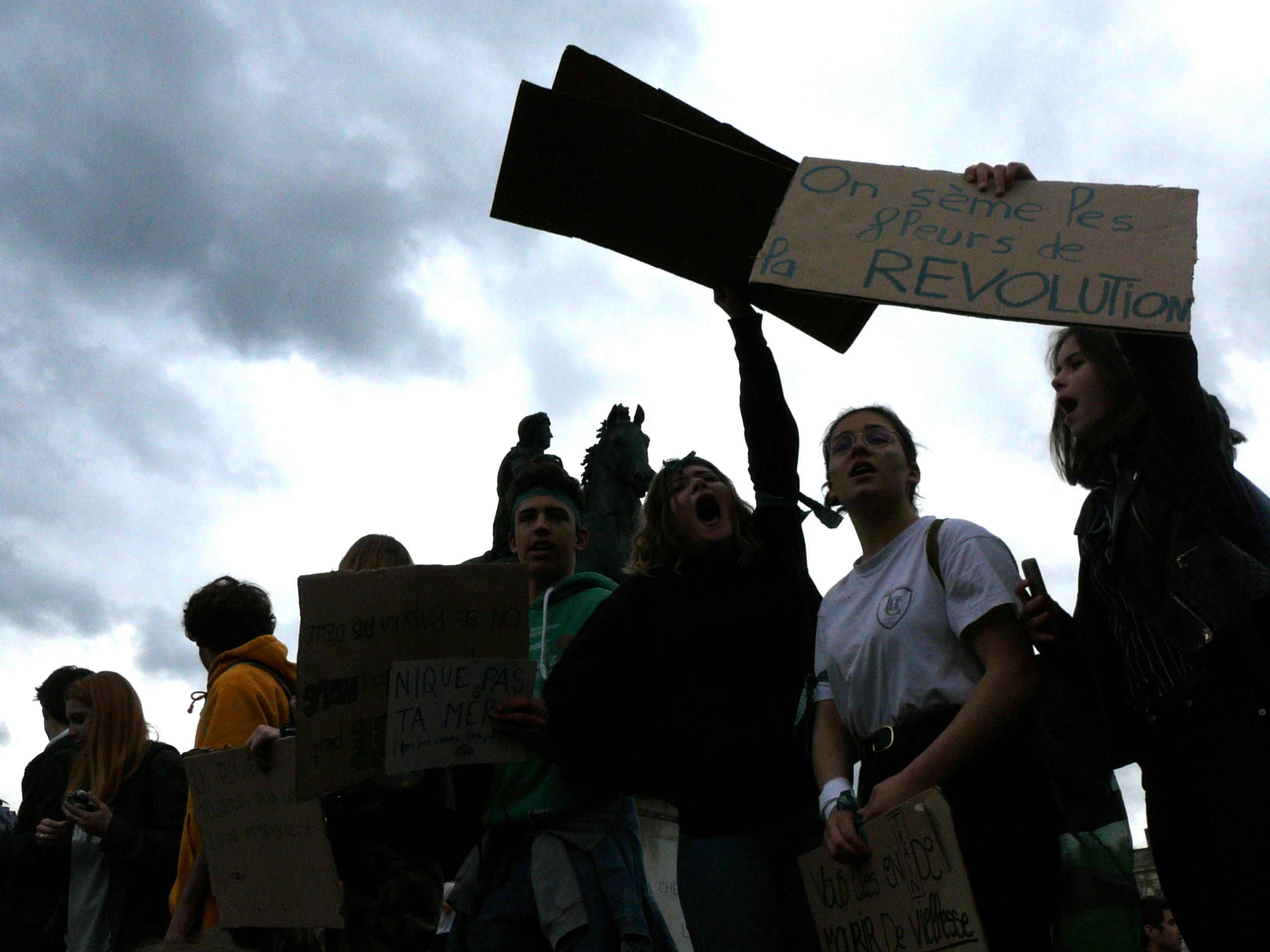 Les jeunes se mobilisent pour le climat à Lyon