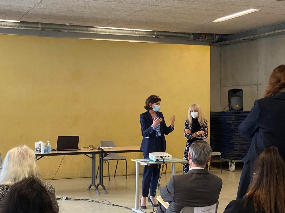 Nathalie Elimas en déplacement à Vénissieux pour promouvoir les cités éducatives