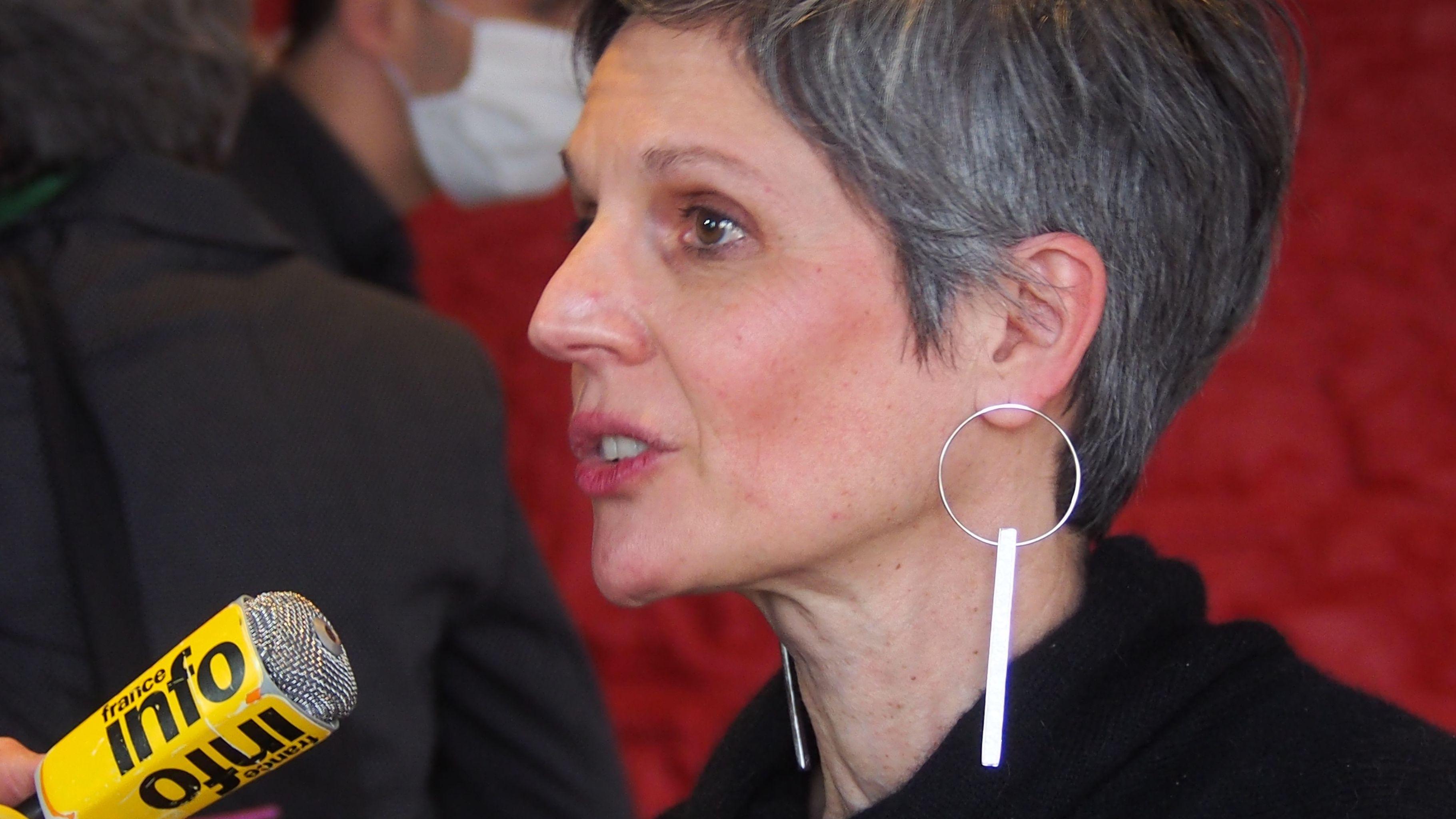 Fabienne Grébert, candidate à la Présidence de la Région, présente son plan d'urgence pour la jeunesse